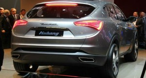 2015-Maserati-Levante-back