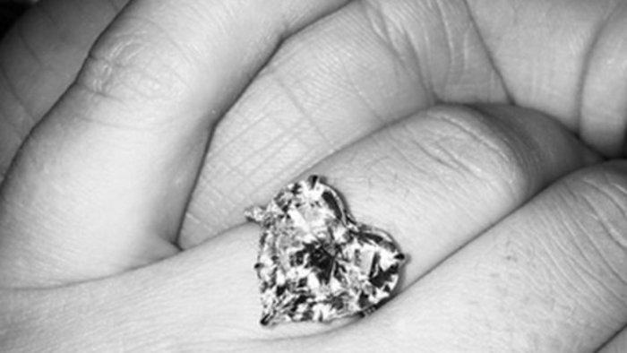 ouml.lady_gaga_ukazala_snubny_prsten_