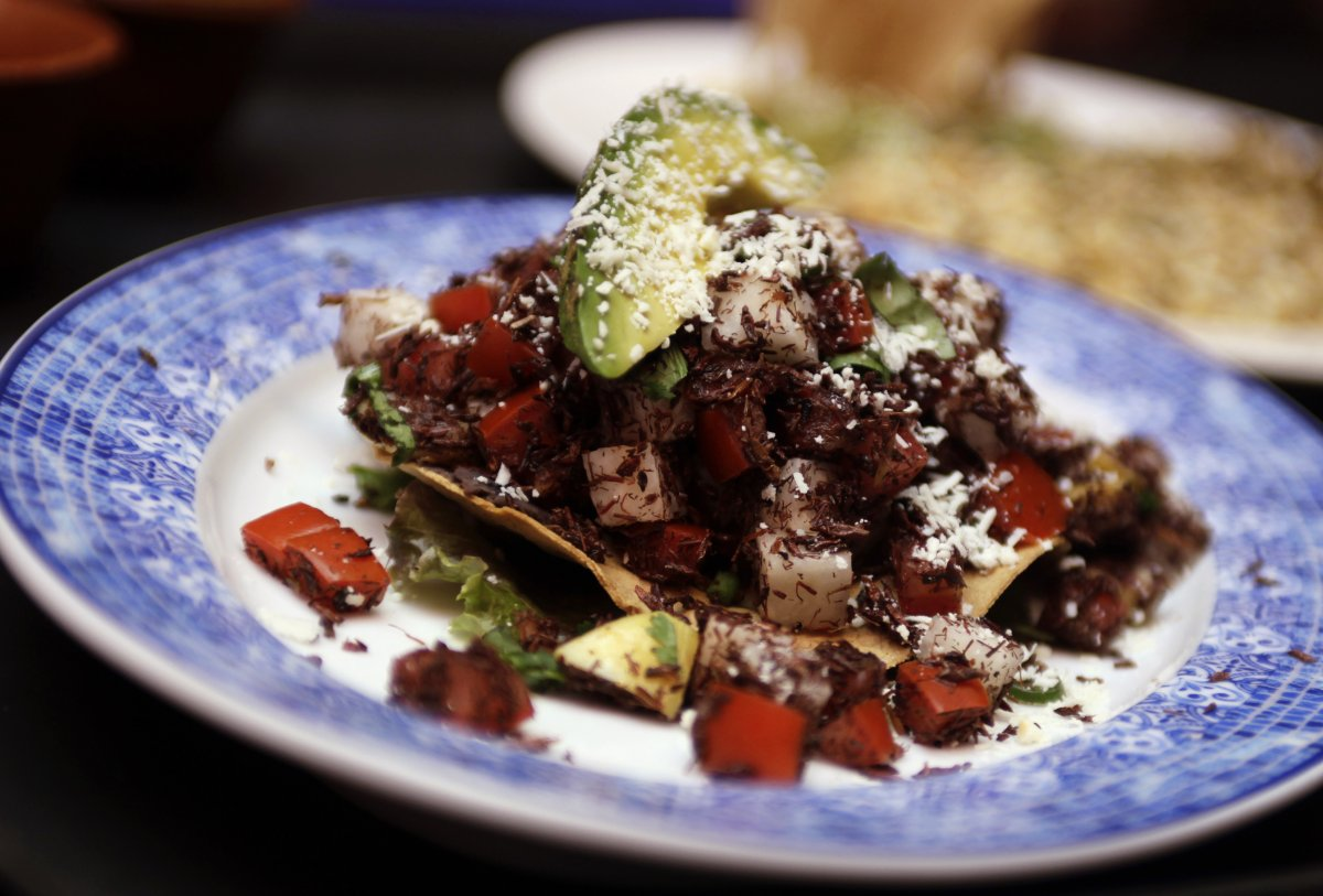 this-seemly-average-looking-taco-is-actually-made-with-grasshoppers