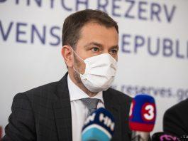 Nový priemiér Igor Matovič informoval na tlačovej konferencii o nových 40 nariadeniach vlády. Jedným z nich je aj povinnosť nosiť rúško všade mimo bydliska