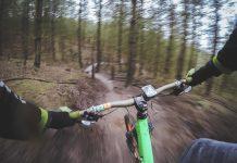 Bicyklovanie sa v lese