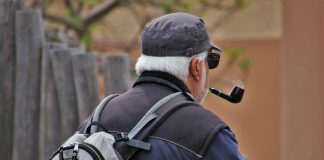 Sú fajčiari chránení pred koronavírusom?