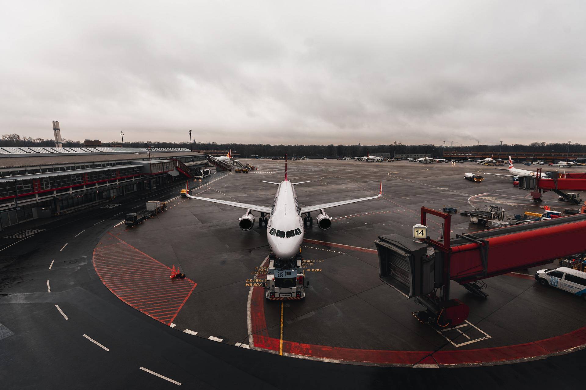 Na letiskách budú platiť prísne opatrenia