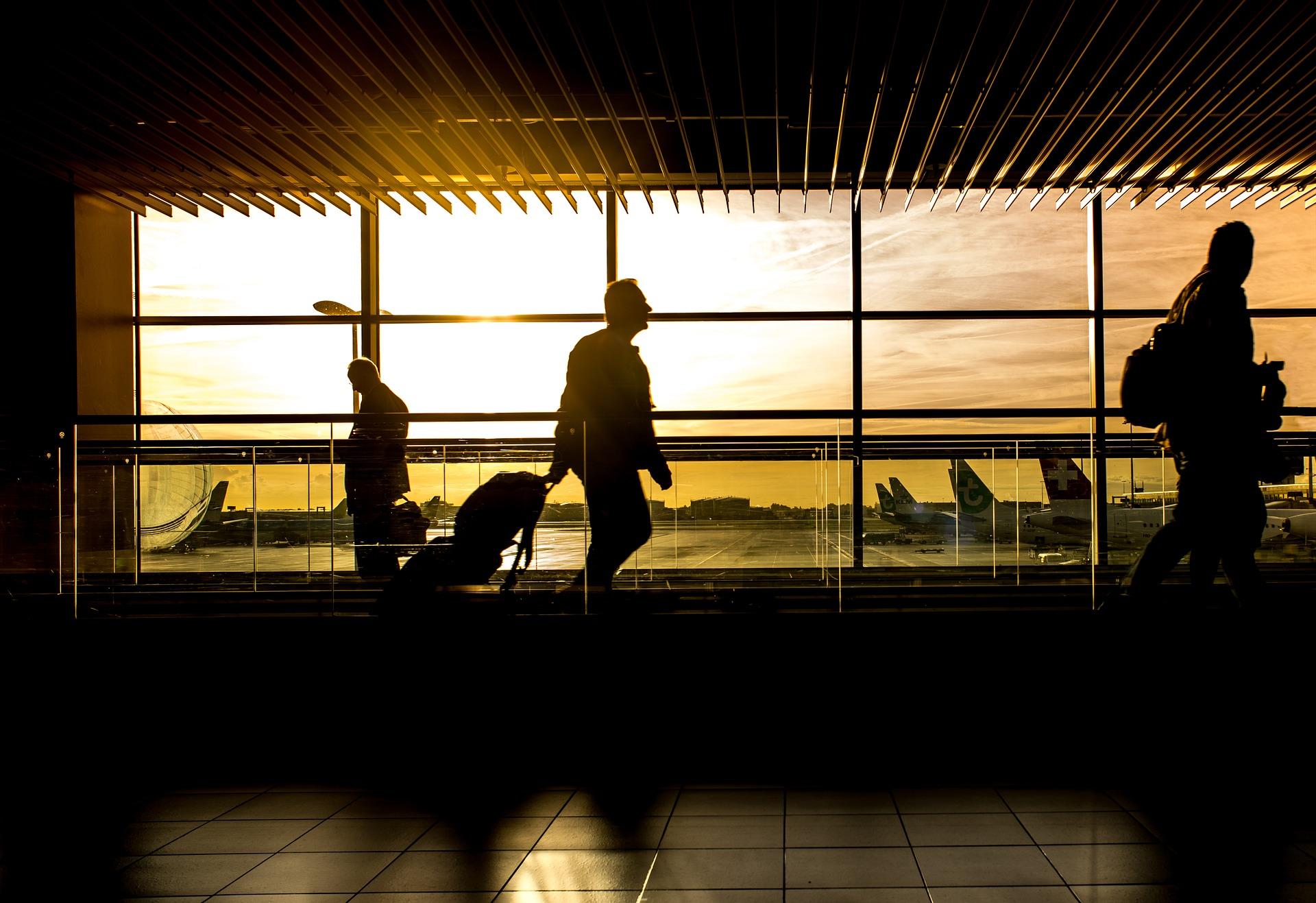 Letiská opäť otvárajú svoje brány