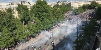V uliciach Paríža sa dejú masívne protesty
