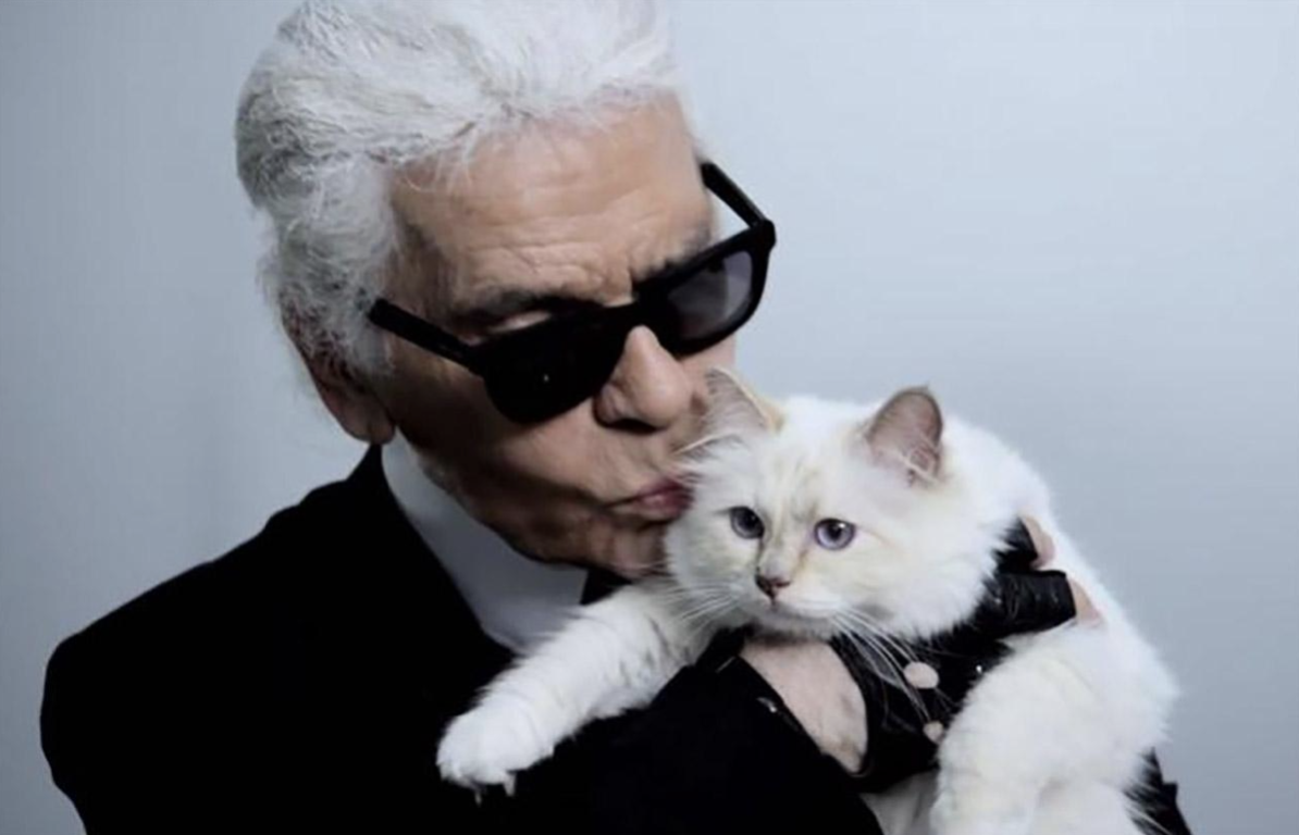 Karl Lagerfeld so svojou milovanou mačkou